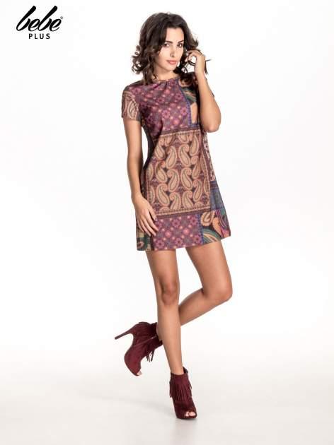 Fioletowa mini sukienka w patchworkowy wzór                                  zdj.                                  2
