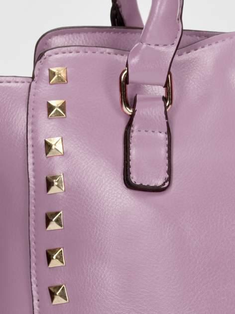 Fioletowa torebka na ramię z dżetami                                  zdj.                                  10