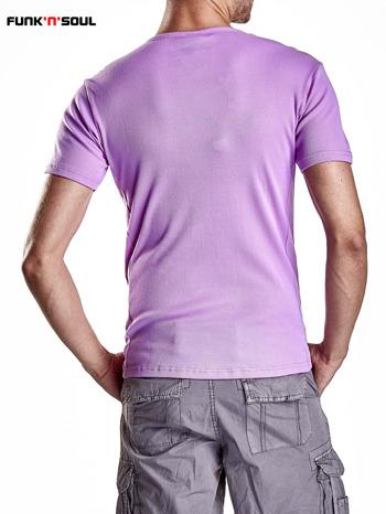 Fioletowy t-shirt męski w prążki Funk n Soul                              zdj.                              2