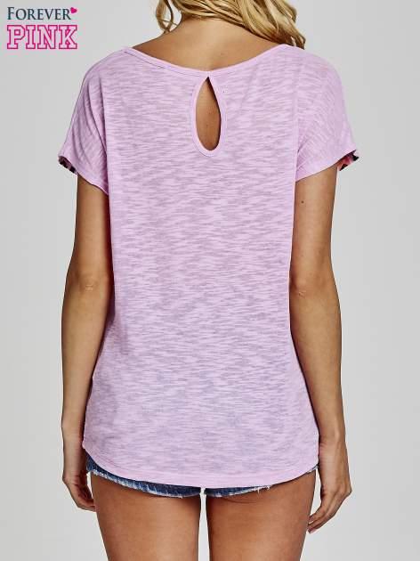 Fioletowy t-shirt we wzory azteckie z dżetami                                  zdj.                                  4