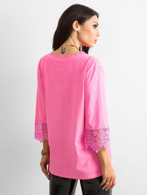 Fluo różowa bluzka z koronką i kieszeniami                              zdj.                              2