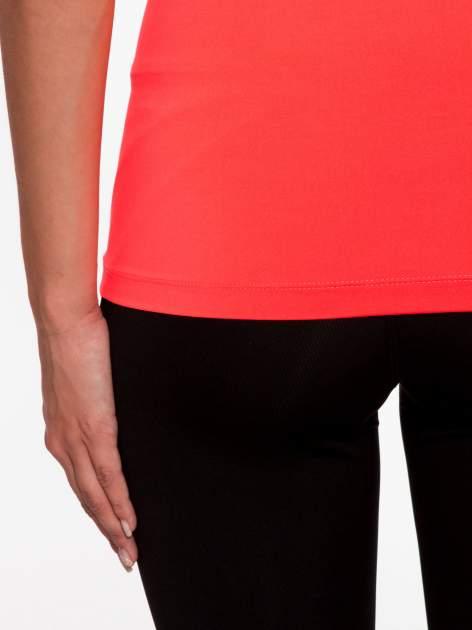 Fluoróżowy termoaktywny t-shirt sportowy z siateczką przy dekolcie ♦ Performance RUN                              zdj.                              9
