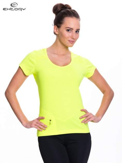 Fluożółty t-shirt sportowy z kieszonką na suwak PLUS SIZE                                  zdj.                                  1