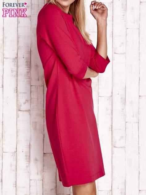 Fuksjowa sukienka z dekoltem w łódkę                                  zdj.                                  3