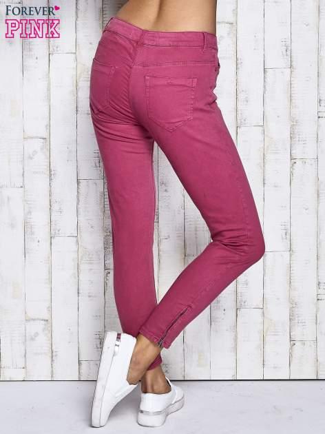 Fuksjowe spodnie z suwakami na nogawkach                              zdj.                              2