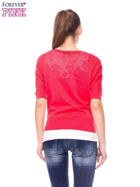 Fuksjowy sweter z ażurową górą i krótkim rękawkiem                                  zdj.                                  4