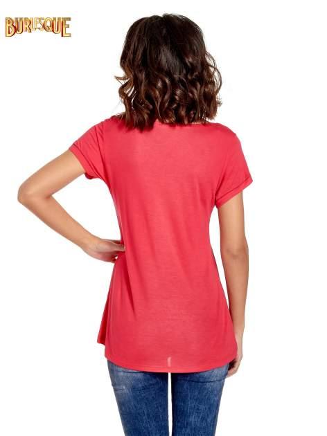 Fuksjowy t-shirt z napisem EVERY WOMAN IS A REBEL                                  zdj.                                  4