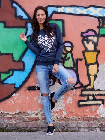 Grafitowa bluza z nadrukiem serca i napisem JE T'AIME                                   zdj.                                  2