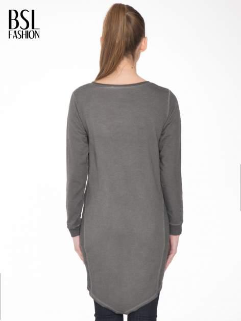 Grafitowa dresowa sukienkotunika z zaokrąglonym dołem                                  zdj.                                  4