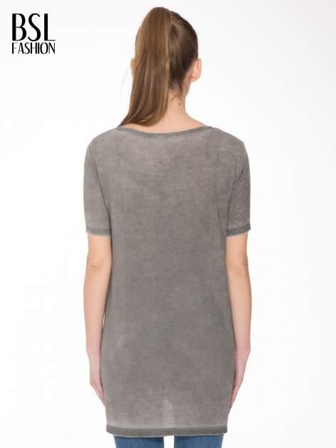 Grafitowa sukienka typu t-shirt bluzka z efektem dekatyzowania                                  zdj.                                  4