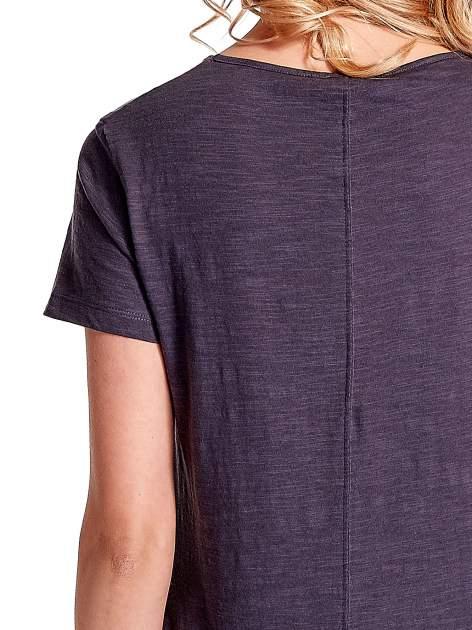 Grafitowy gładki t-shirt z rozcięciami na bokach                                  zdj.                                  5