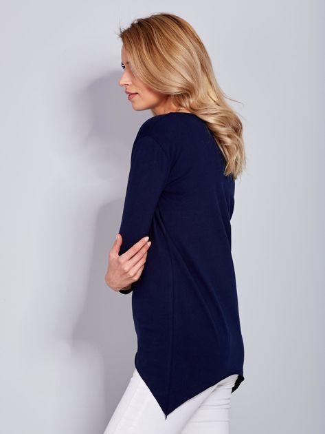 Granatowa asymetryczna bluzka z babeczką                              zdj.                              5