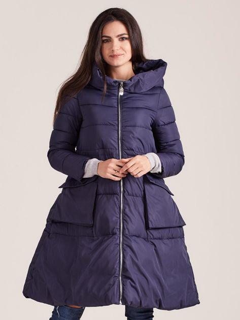 Granatowa asymetryczna kurtka zimowa                              zdj.                              1