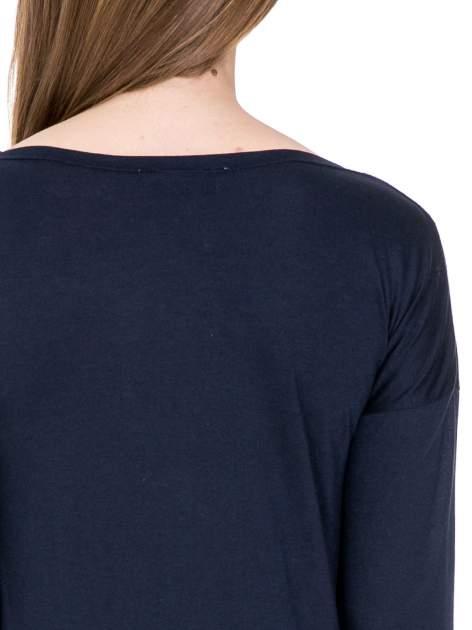 Granatowa bawełniana bluzka z dekoltem typu woda                                  zdj.                                  6