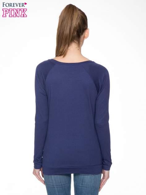 Granatowa bawełniana bluzka z rękawami typu reglan                                  zdj.                                  4