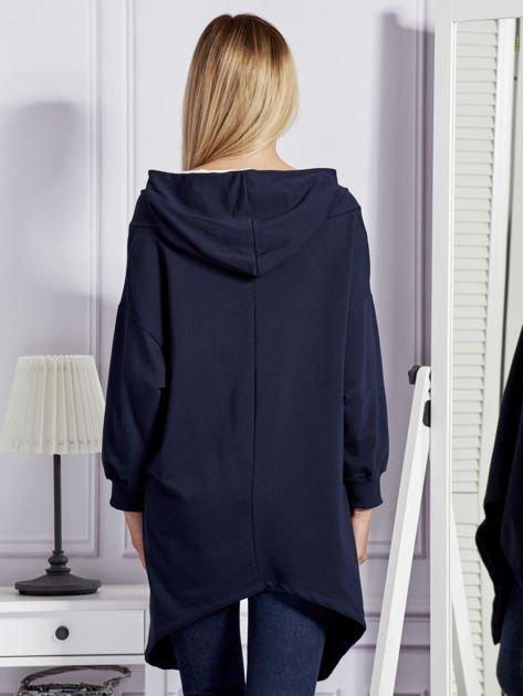 Granatowa bluza oversize z kapturem                              zdj.                              2