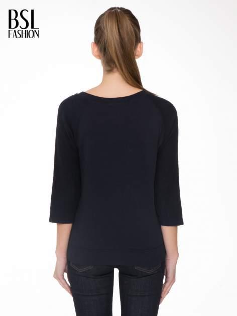 Granatowa bluza oversize z łączonych materiałów                                  zdj.                                  4