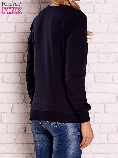 Granatowa bluza z nadrukiem łapacza snów                                  zdj.                                  4