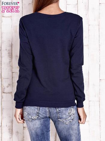 Granatowa bluza z nadrukiem psa                                  zdj.                                  4