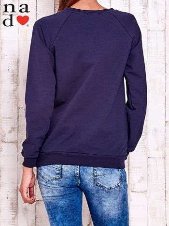 Granatowa bluza z piórkiem                                  zdj.                                  4