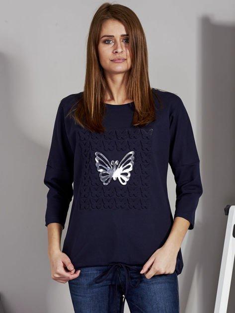 Granatowa bluza z motywem motyli                              zdj.                              1