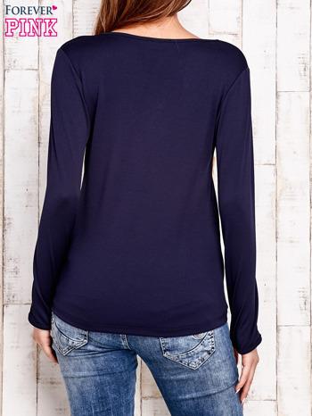 Granatowa bluzka z wiązaniem w stylu boho                              zdj.                              4