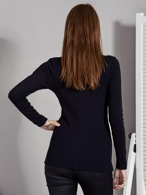 Granatowa bluzka z zatrzaskami przy dekolcie                                   zdj.                                  2