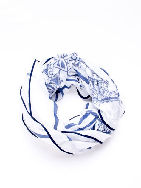 Granatowa chusta z ornamentowym wzorem                                  zdj.                                  3