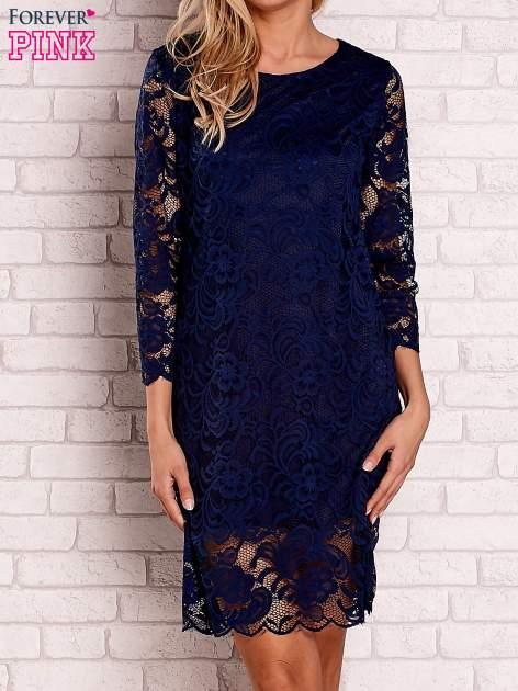 Granatowa koronkowa sukienka z wiązaniem na plecach                                  zdj.                                  1