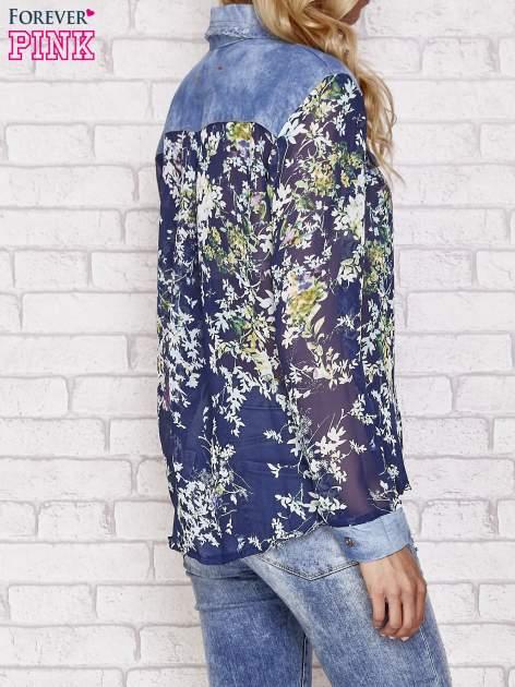 Granatowa koszula w kwiaty ze wstawkami z denimu                                  zdj.                                  2