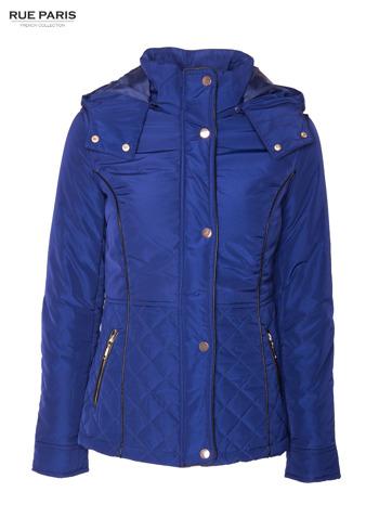 Granatowa kurtka z pikowanymi wstawkami i kontrastową lamówką                                  zdj.                                  10