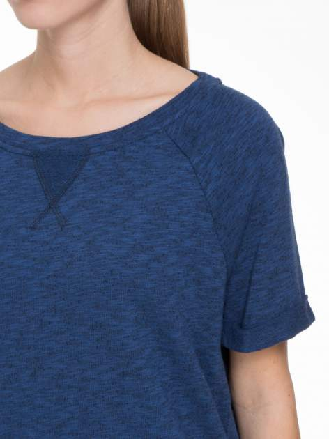 Granatowa melanżowa bluzka z wywijanymi rękawkami                                  zdj.                                  7