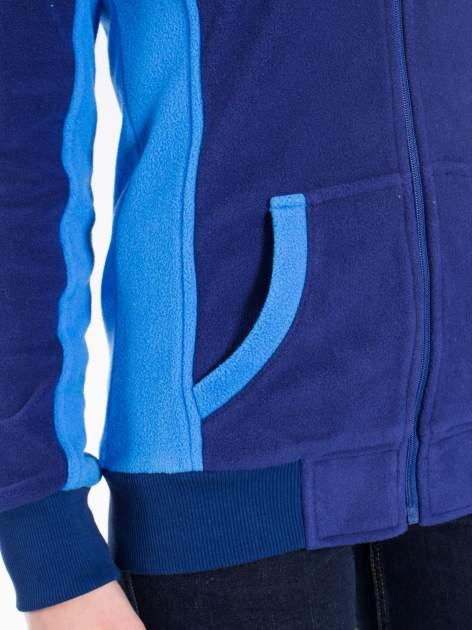 Granatowa polarowa bluza z kontrastowymi przeszyciami                                  zdj.                                  8