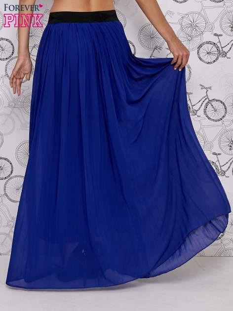 Granatowa spódnica maxi z ornamentowym paskiem                                  zdj.                                  5