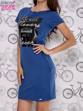 Granatowa sukienka dresowa z napisem YOU WILL NEVER FORGET ME                                  zdj.                                  3