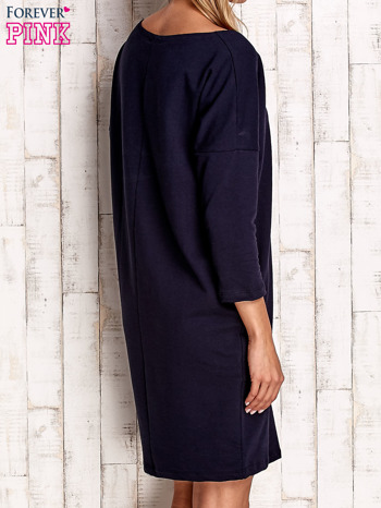 Granatowa sukienka oversize                                  zdj.                                  4