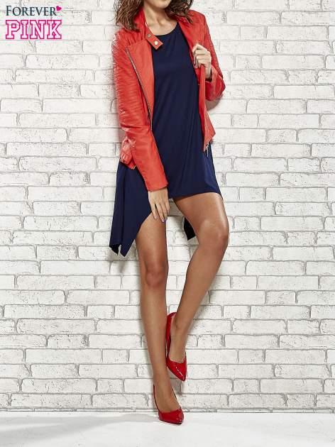 Granatowa sukienka z wydłużanymi bokami                                  zdj.                                  8