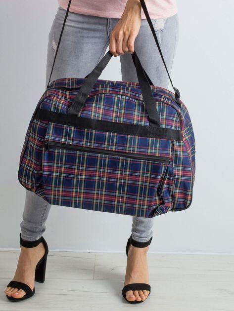 Granatowa torba podróżna w kratkę