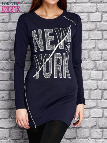 Granatowa tunika z napisem NEW YORK i suwakami                                  zdj.                                  1
