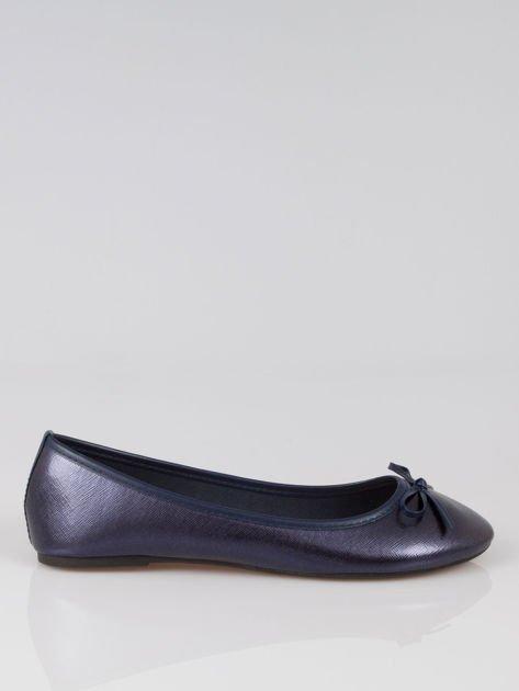 Granatowe baleriny classic leather z kokardką ze skóry saffiano                                  zdj.                                  1