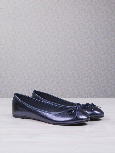 Granatowe baleriny faux leather classic z kokardką                                  zdj.                                  3