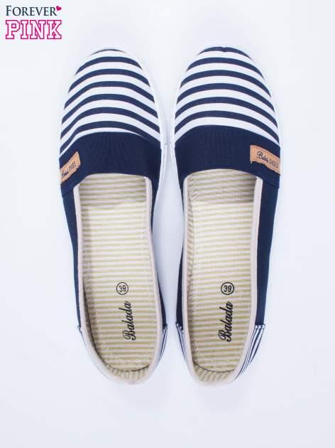 Granatowe buty sliponki w paski                                  zdj.                                  6