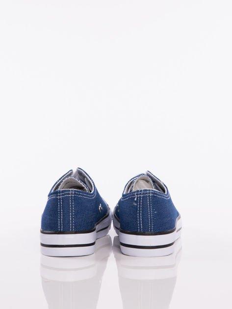 Granatowe denim jeansowe trampki na białej podeszwie                              zdj.                              3