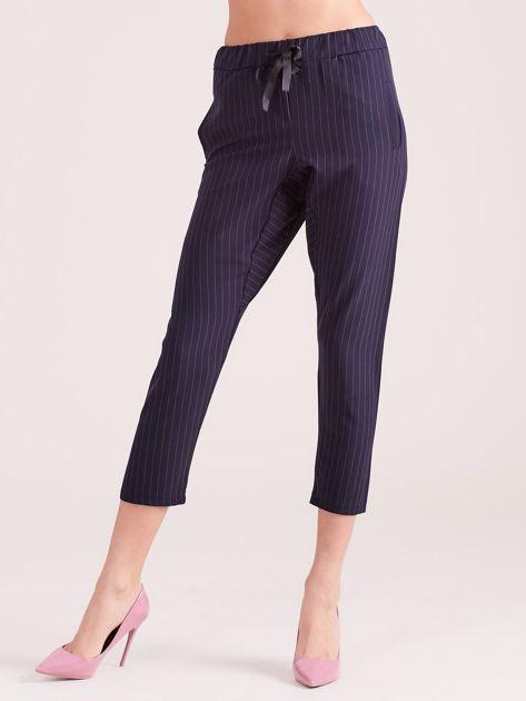 Granatowe eleganckie spodnie 7/8 w prążki                              zdj.                              1