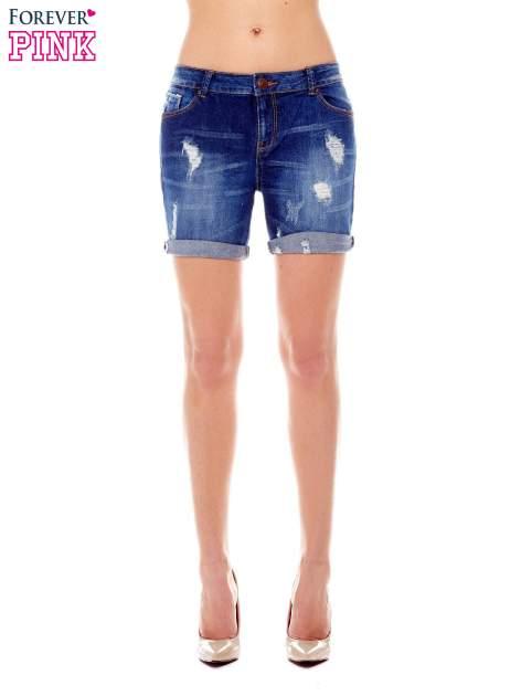 Granatowe jeansowe szorty z podwijanymi nogawkami