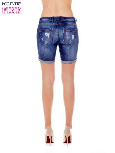 Granatowe jeansowe szorty z podwijanymi nogawkami                                  zdj.                                  2