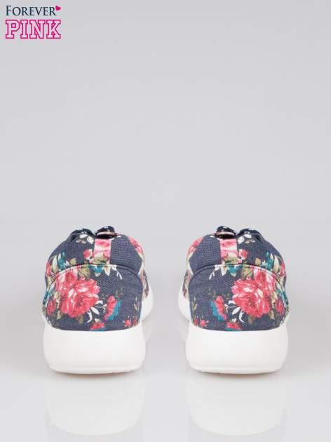 Granatowe kwiatowe buty sportowe Bring It On na podeszwie flex                                  zdj.                                  3