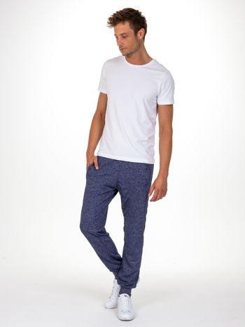 Granatowe melanżowe spodnie męskie z trokami i kieszeniami                                  zdj.                                  4