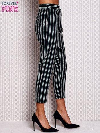 Granatowe proste spodnie w paski