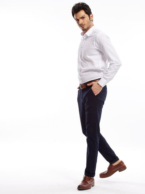 Granatowe spodnie męskie chinosy o prostym kroju                              zdj.                              5